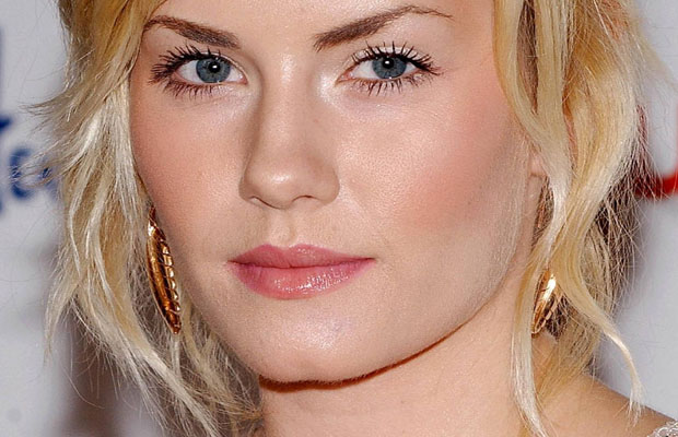 Elisha Cuthbert Biography Life And Photos